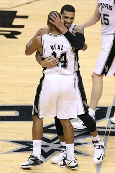 Hug! (June 11, 2013 | NBA Finals 2013 | Game 3 | Miami Heat @ San Antonio Spurs | AT Center in San Antonio, Texas)
