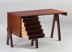 Angelo Mangiarotti, desk, 1955. Mahogany. Italy. MAK Köln / Photo RBA Marion Mennicken