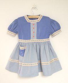 Vintage baby / toddler dress, 1940's.
