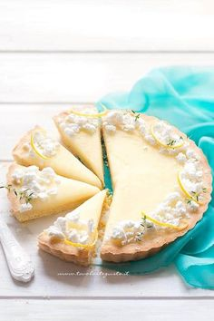 Lemon Tart - (tart with lemon cream) Lemon Desserts, Fun Desserts, Delicious Desserts, Dessert Recipes, Apple Pie Recipes, Wine Recipes, Sweet Recipes, Greek Cake, Burritos