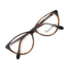 Fashion Eye Glasses, Cat Eye Glasses, Celebrity Travel, Celebrity Style, Womens Glasses Frames, Gold Wall Art, Designer Eyeglasses, Black And White Abstract, Eyeglasses For Women