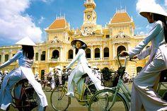 Vietnam Tourism, Vietnam Destinations, Vietnam Travel, Hanoi Vietnam, Beautiful Vietnam, Visit Vietnam, Travel Activities, Fun Activities, Travel Tours
