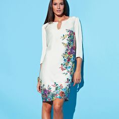 Rochie scurtă din satin alb cu imprimeu floral pe zone - Marimi 36, 38, 40, 42, 44, 46, si 48 Cold Shoulder Dress, High Neck Dress, My Style, Lady, Floral, Womens Fashion, Outfits, Dresses, Google Search