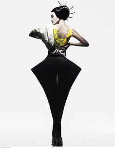 Inny 修图师李宁宁  via: http://xxxshakespearexxx.tumblr.com   ● See More Asian Fashion> http://yellowmenace.tumblr.com/tagged/fashion   #Yellowmenace #AsianFashion #FashionPhotography #ChineseModel
