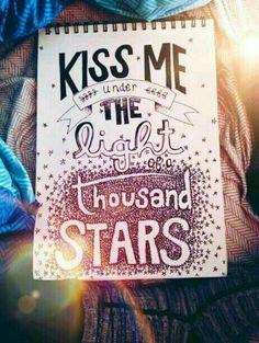 Kiss me.........Cada beso suma....y los de esta tarde puntuan doble,porque fueron por sorpresa.... Me encanto!!!!!!...Verte siempre me hace un poco mas feliz... GRACIAS...Nena.