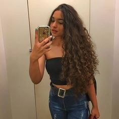 curly hairstyles curly hairstyles for stubborn hair hair 90210 hairstyles quickweave hairstyles hairstyles mid length hairstyles mid length hair hairstyles with bangs 2019 Curly Hair Latina, Curly Hair Tips, Black Curly Hair, Long Curly Hair, Wavy Hair, Curly Hair Styles, 3b Hair, 50s Hairstyles, Foto Casual