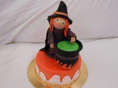 Streghetta Di Halloween - http://tortedecorate.eu/streghetta-di-halloween/