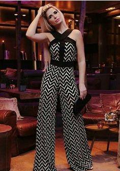 New fashion classy elegant Ideas Bodycon Fashion, Fashion Pants, Fashion Dresses, Party Fashion, New Fashion, Trendy Fashion, Classy Fashion, Fashion Trends, Womens Fashion