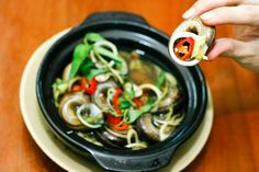 Vietnam steamed snails with chili and lemongrass