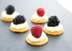 White Chocolate Cream Cheese Berry Bites by EclecticRecipes.com #recipe