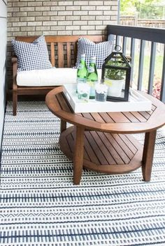 How to decorate a small patio – a few lovely accessories is all you need! How to decorate a small patio – a few lovely accessories is all you need! Small Patio Spaces, Small Outdoor Patios, Small Balcony Decor, Small Terrace, Small Porches, Balcony Ideas, Tiny Balcony, Ideas For Small Patios, Small Balcony Furniture