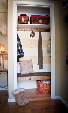 Love the door-less look! Very little clutter and you'd be forced to keep it looking pretty!