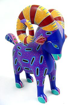 Oaxacan wood carving, color combinations