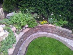 Rasenkantensteine Leicht Und Einfach Verlegen / Pflanzbeete ... Steinweg Im Garten Verlegen Inspirierende Ideen