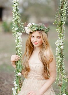 BHLDN wedding dress | Photo by  Apryl Ann Photography | 100 Layer Cake #green