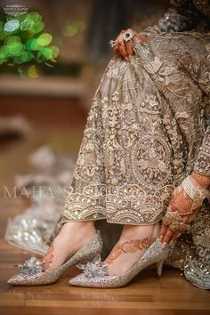 Bookings open for 2018 call or WhatsApp 333 5916771 333 Kindly inbox us for our updated packages Detail. Pakistani Bridal, Indian Bridal, Mehendi, Bridal Heels, Pakistani Outfits, Indian Dresses, Couture Fashion, Bridal Fashion, Asian Fashion