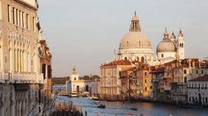 A chaque visite, la cité des Doges reste un ravissement pour le voyageur. Ici, à l'extrémité sud du Grand Canal, la basilique Santa Maria della Salute.