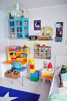 love this sweet eclectic children's room