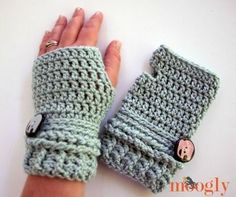 Wrist Wrapped Fingerless Gloves ~~ Free Crochet Pattern