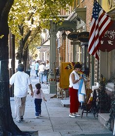 AMERICA'S FAVORITE TOWNS 2013 <> Lititz, Pennsylvania <> PART 2 <> Also the site of one of the nation's longest-running Fourth of July celebrations, Lititz ranked highly among readers for its patriotism (No. 3) and town pride (No. 4).