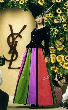 Juillet 1994. Haute couture hiver 1994/95. Alamy Stock photo.
