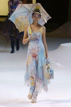 Runway Fashion, High Fashion, Fashion Show, Fashion Outfits, Fashion Design, Paris Fashion, Aya Takano, Nyc Girl, Issey Miyake