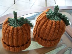 Crocheted Pumpkin Hat - Free pattern.  I made these for my kiddos.  So adorable!