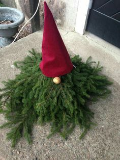 Christmas tomte, nisse, gnome, outdoor, porch