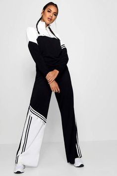 Chic Outfits, Sport Outfits, Fashion Outfits, Fashion Trends, Sport Fashion, Girl Fashion, Sport Wear, Wide Leg Trousers, Sport Chic