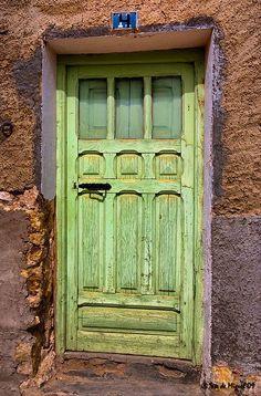 f3dcae006d933564dfb7dd40ff41795b--shades-of-green-cool-doors.jpg (404×614)