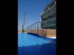 alberca aura acapulco Outdoor Decor, Home Decor, Beach Club, Acapulco, Gardens, Decoration Home, Room Decor, Home Interior Design, Home Decoration