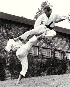 The Basics Of Judo – Martial Arts Techniques Shotokan Karate, Kyokushin Karate, Martial Arts Styles, Martial Arts Techniques, Mixed Martial Arts, Fighting Poses, Art Of Fighting, Kung Fu, Karate Do