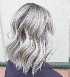 60 Shades of Grey: Silver and White Highlights for Eternal Youth Shiny Silver Balayage Hair Ice Blonde Hair, Balayage Hair Blonde, Platinum Blonde Hair, Blonde To Grey Hair, Blonde Hair With Grey Highlights, Ombre Hair, Blue Hair, Long Grey Hair, Silver Platinum Hair