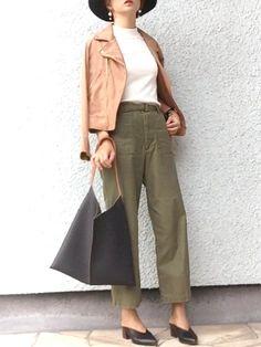 ベーカーパンツとやらを履いてみました✨ このバッグ、可愛いです♡ カジュアルだけど、カ