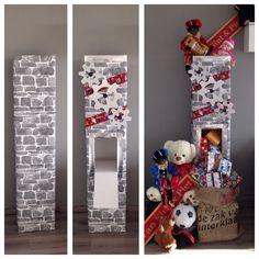 Making of Sinterklaas decoratie 2014! Eigen gemaakte toren van kartonnen dozen afgewerkt met steen behang en aangekleed met Sint en piet decoraties