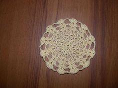 Stacked Shells Mini-Doily- free crochet pattern