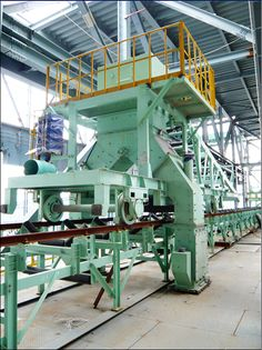 Guide Rail Makes Tripper or Bucket Elevator Perform Better http://www.pkmachinery.com/faq/guide-rail-makes-tripper-bucket-elevator.html