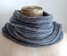 Free Present Cowl and more quick cowl knitting patterns