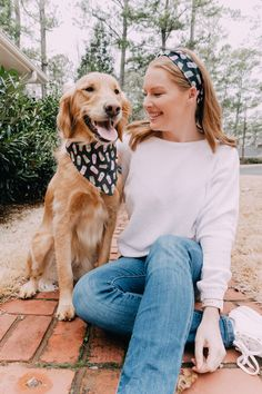 Matching Dog Bandana and Scrunchie, Matching Dog Bandana and Headband, Dog Photos Photos With Dog, Cute Dog Photos, Cute Dog Clothes, Cute Dog Outfits, Funny Dogs, Cute Dogs, Cute Poses For Pictures, Me And My Dog, Animales
