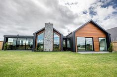 Contemporary NZ classic, from Design Builders