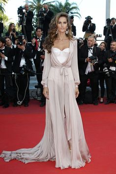 hollywood-fashion: Izabel Goulart in Ralph & Russo Couture at the Cannes Film Festival premiere for Julieta on May 17 2016.