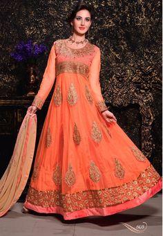 Orange net Anarkali Suit avec mousseline Dupatta  Prix: - 69,20 €  Andaaz Fashion présente une nouvelle arrivée demi de couleur orange cousues costume Anarkali . Agrémentée de travail de Patch , le travail de la dentelle de la frontière . La longueur supérieure est de 48 à 50 pouces . Manchon peut cousu jusqu'à la taille 22 pouces . Ceci est préfet pour mariage, fête d'usure  http://www.andaazfashion.fr/orange-net-anarkali-suit-dmv13421.html
