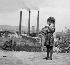 Gypsy Child - Francesc Català-Roca  - 1948