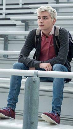 13 reasons why Justin 13 Reasons Why, 13 Reasons Why Reasons, Thirteen Reasons Why, Alex Standall, Zach Dempsey, Justin Foley, Wattpad, Handsome Actors, Best Series