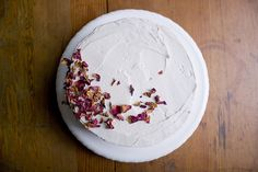 Strawberry Rose Buttercream - love the raw look to the decorating