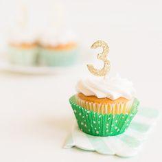 Gold Number Cupcake Topper Kit