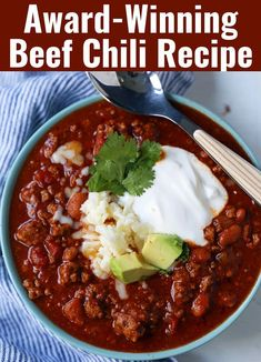 Chili Cook-Off Winning Recipe. Beef Chili with secret ingredients. The BEST Beef Chili Recipe. Chili Cook-Off Winning Recipe. Beef Chili with secret ingredients. The BEST Beef Chili Recipe. Chilli Recipes, Healthy Recipes, Bean Recipes, Mexican Food Recipes, Soup Recipes, Cooking Recipes, Chile Recipes Beef, Chili Con Carne Recipe Best, Beef Chili Recipe With Beans