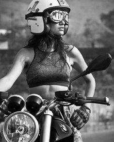 """old school motorcycle helmet""的图片搜索结果 Lady Biker, Biker Girl, Moto Vespa, Hot Rods, Old School Motorcycles, Harley Davidson, Rockabilly Cars, Cafe Racer Girl, R80"