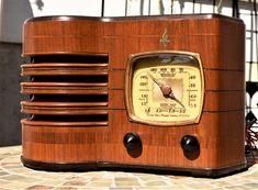 Vintage Wood, Vintage Kitchen, Retro Radios, Old Time Radio, Antique Radio, Short Waves, Oral History, Record Players, Timber Wood
