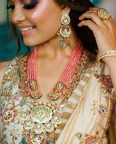 Kundan Jewellery Set, India Jewelry, Diamond Jewellery, Emerald Jewelry, Fashion Jewellery, Ethnic Jewelry, Antique Jewelry, Women's Fashion, Pearl Necklace Designs